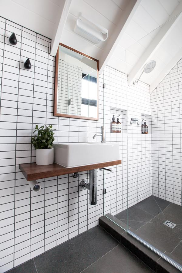 Brighton builder bathroom renovation gentrify for Bathroom renovations brighton